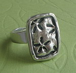 PEWTER RING ~ FLOWER 1