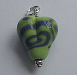GLASS HEART BEAD~LIME GRAPE