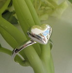 LOVELY PUFFED HEART RING