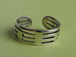 STRIPES ADJUSTABLE SILVER TOE RING